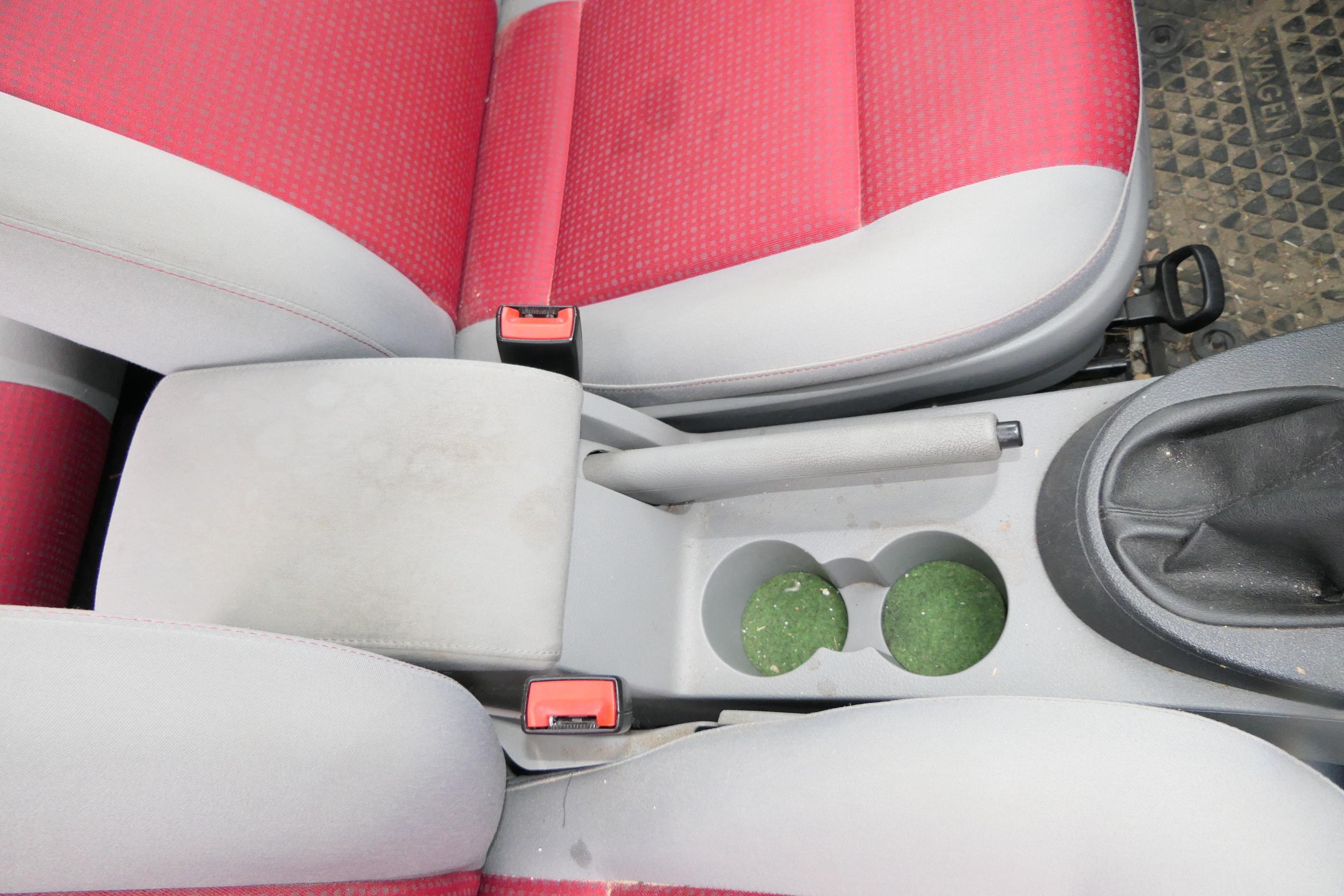 IV Comfort Armlehne Mittelarmlehne hellgrau VW Caddy III