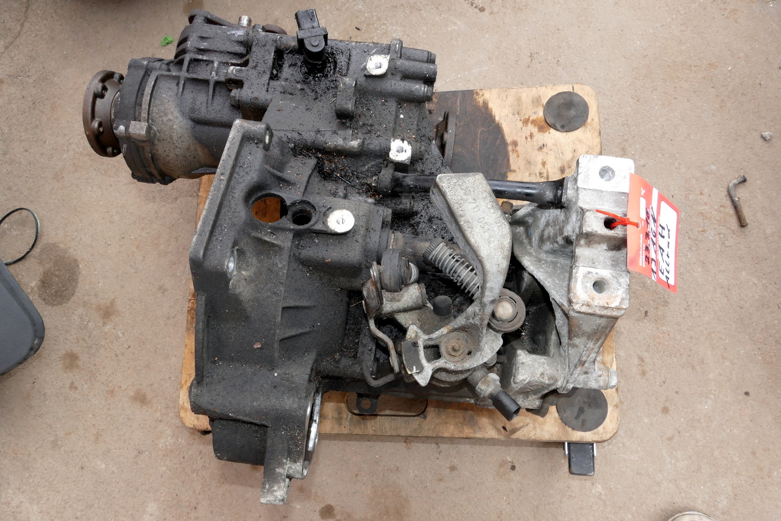 von AZQ BME Motor 111.000km VW Polo 9N Fox Getriebe GKU 1,2 47kw  64 PS ca