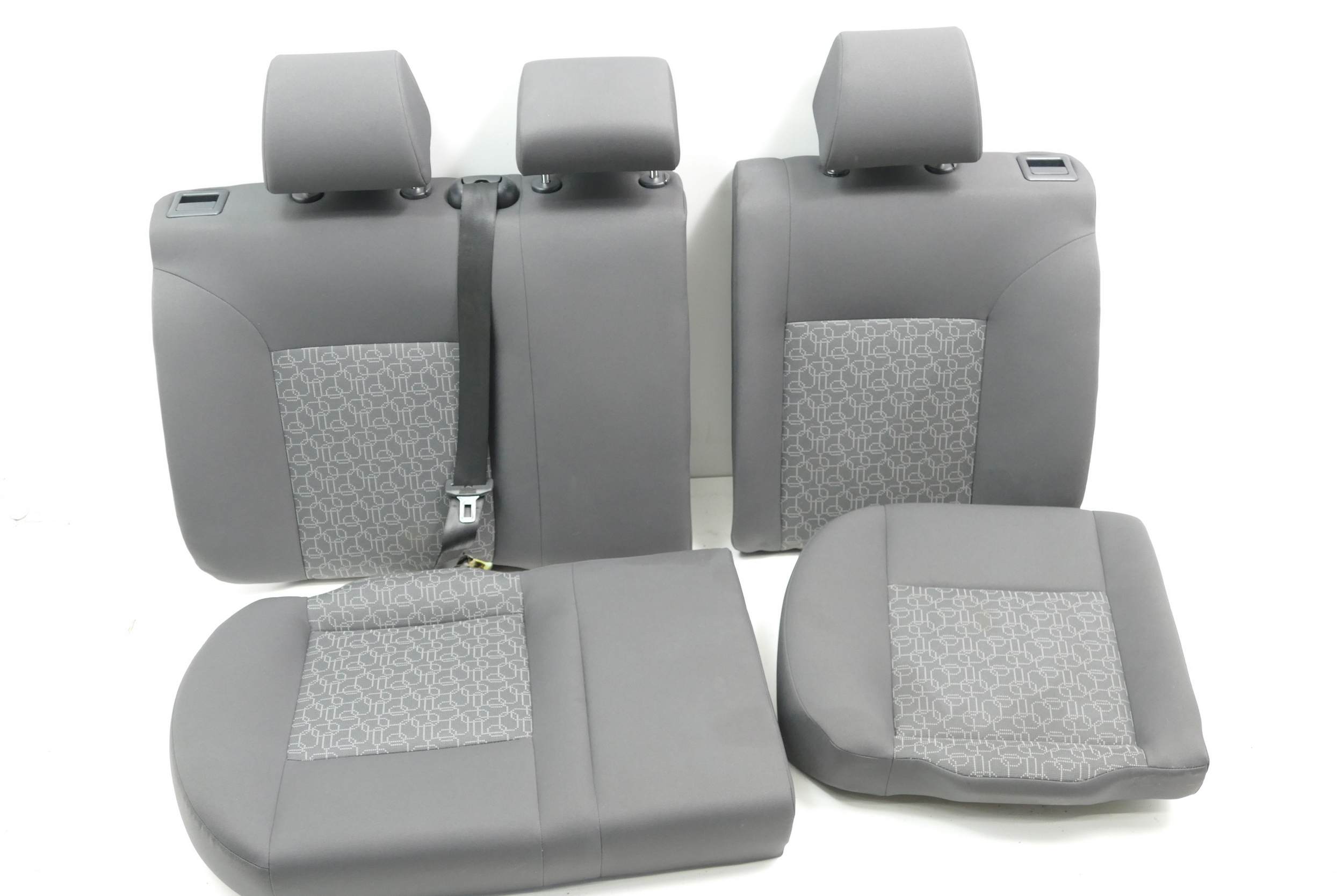 seat ibiza 6l r ckbank r cksitzbank sitz kopfst tze. Black Bedroom Furniture Sets. Home Design Ideas